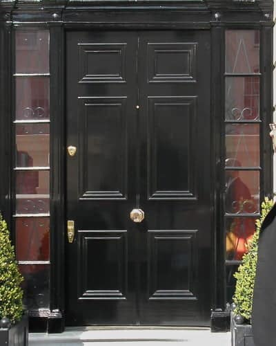 Wide Georgian front door and fanlight frame