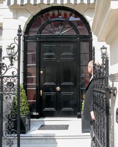 Wide Georgian front door and fanlight frame